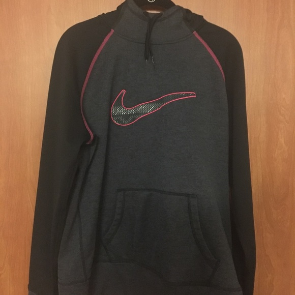 a8cee1397 Women's Nike Therma Fleece Training Hoodie. M_5bdfb586c2e9fe7db38e34c1